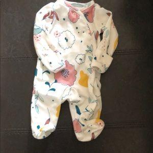 Baby bodysuits in premie size